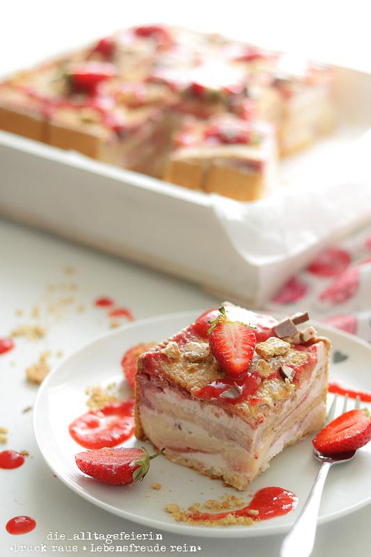 Kuchen- und Tortenrezepte, backen, Erdbeeren, Erdbeerschnitten mit Vanillepudding und Yogurette, ohne Backen, Butterkekse, Erdbeerkuchen, Erdbeerkuchen mit Butterkeksen