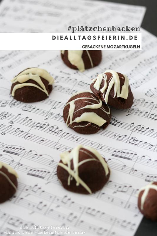 gebackene Mozartkugeln mit Marzipan, Pistazien und Nugart, verziert mit weißer Schokolade