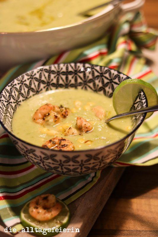 Speiseplan KW 37-19, grüne Kokossuppe mit Garnelen, Erbsen, Suppe, Suppendienstag, Kokossuppe, Erbsensuppe, Garnelen