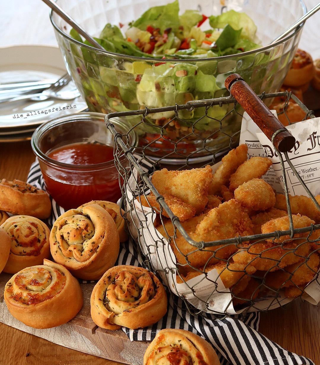 Salat, Fingerfood, Honig-Senf-Dressing, Pinienkerne, Wochenplan, Speiseplan, Essensplan, Freebie, Freebie Wochenplan