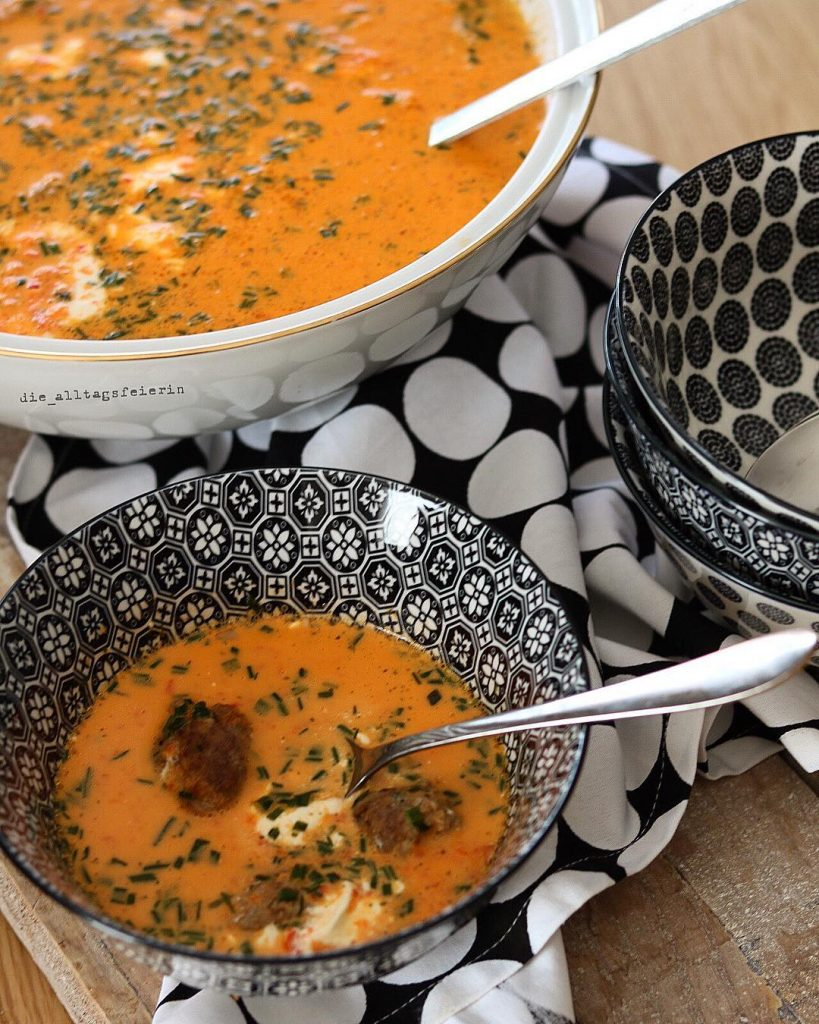 Suppen, Speiseplan, Suppendienstag, Paprika-Mascarpone-Suppe, Hackbällchen, Mascarpone, Paprika