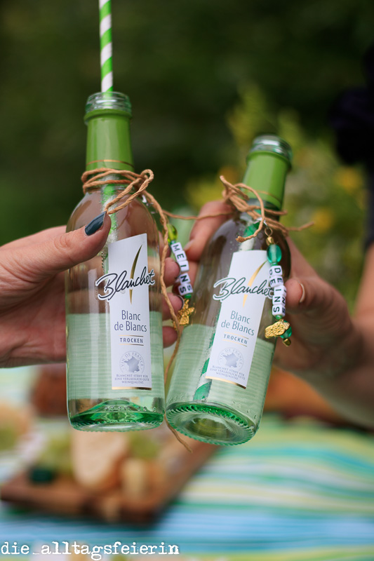 Blanchet, cheers, auf dich, DIY, Anhänger Weinflasche, Picknick