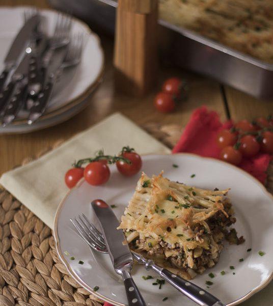 Makkaroniauflauf, Makkaroni, Hackfleisch, Zucchini, aus dem Ofen, mit Käse überbacken, Auflauf, Pasta, Nudelauflauf