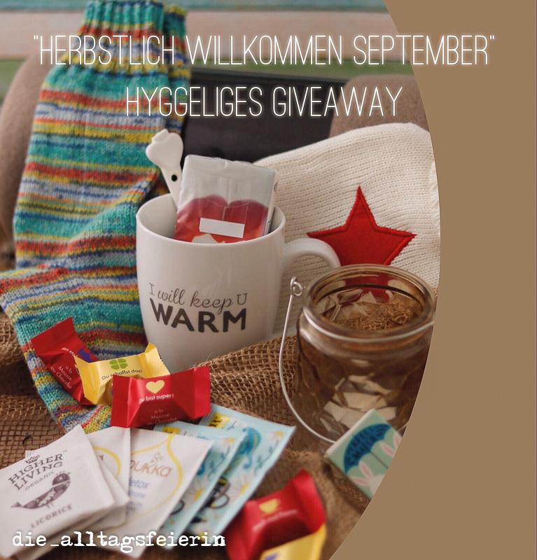herbstlich willkommen, Gewinnspiel, warme Socken, Fleecedecke, Wärmflasche, Tee, Tasse, Kerze