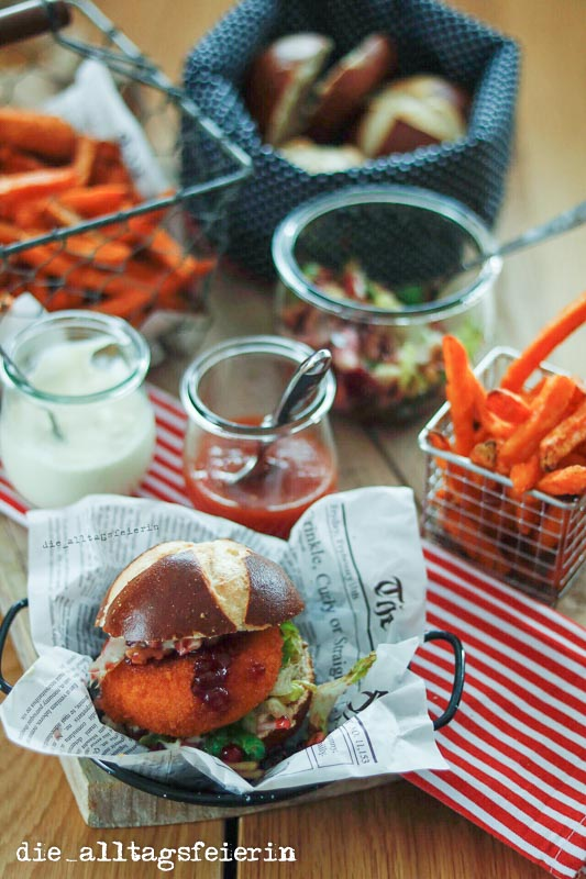 Hüttenburger, Slowly Fast Food, Süßkartoffelpommes, Familienessen