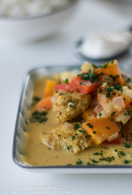 indisches Curry mit Hähnchen, Karotten und Paprika, Curry, Reis, Curry-Gericht, Hähnchenbrust, Familienküche, aus meiner Küche, frisch Kochen, leichte Küche, Kochen für Kinder, Speiseplan KW 25-18