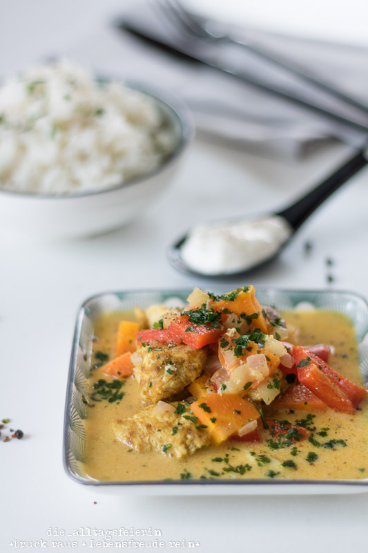 indisches Curry mit Hähnchen, Karotten und Paprika, Curry, Reis, Curry-Gericht, Hähnchenbrust, Familienküche, aus meiner Küche, frisch Kochen, leichte Küche, Kochen für Kinder