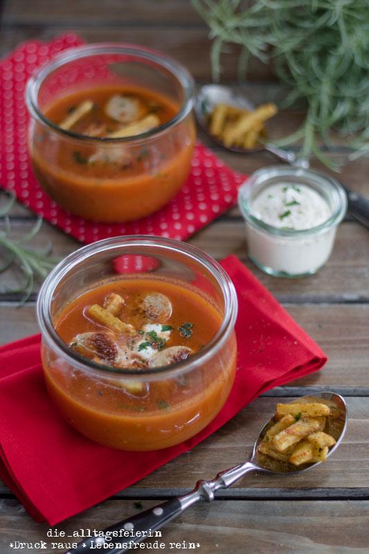 Currywurst-Suppe, Currywurst, Suppe, Soup, Suppendienstag, Bratwurst, Kartoffelsticks, Familienkueche, Was koche ich heute, Kochen fuer Kinder, Curry, diealltagsfeierin.de, ue40 Blog,
