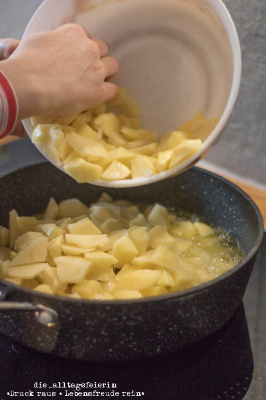 Kartoffeln, Tortilla de patatas, spanische Tortilla, Tortilla mit Schinken und Käse, diealltagsfeierin.de, alltagsfeierliche Begegnungen,