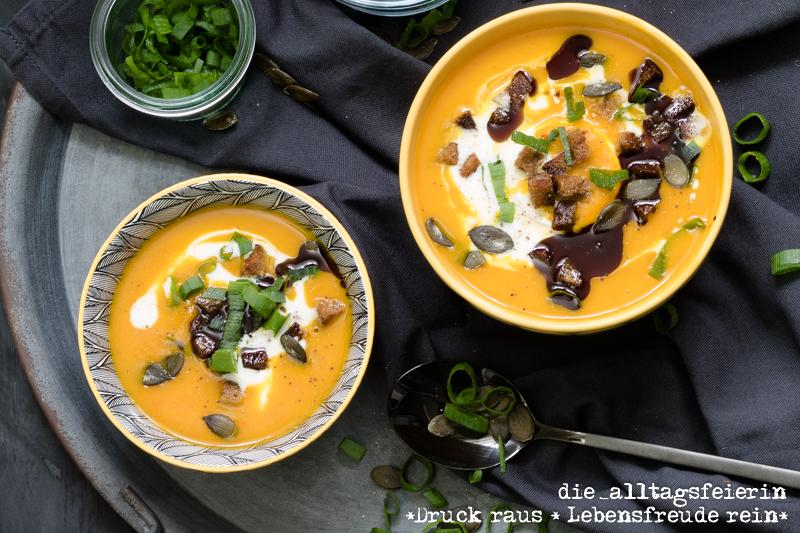Rezept für Kürbissuppe mit Zimtcroutons, Kürbis, Hokkaidokürbis, Zimt,