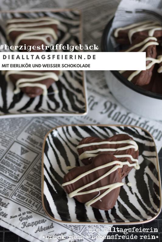 herziges Trüffelgebäck gefüllt mit Eierlikör-weißer-Schokolade-Creme. Weihnachtsbäckerei deluxe