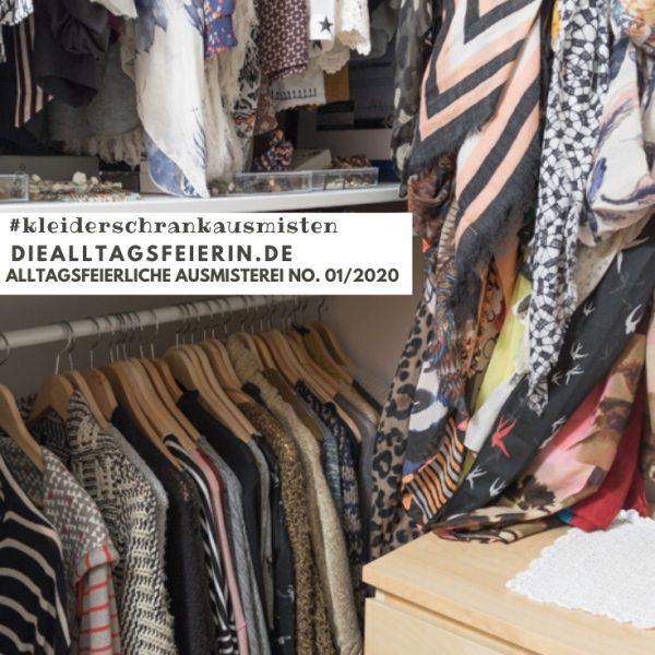 Kleiderschrank, begehbarer Kleiderschrank, KonMari-Methode, Ausmisten, Sortieren, Ordnung schaffen, alltagsfeierliche Ausmisterei, diealltagsfeierin.de