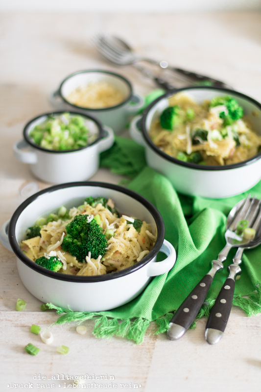 One-Pot-Rezepte Pasta Carbonara Style deluxe, One-Pot-Pasta