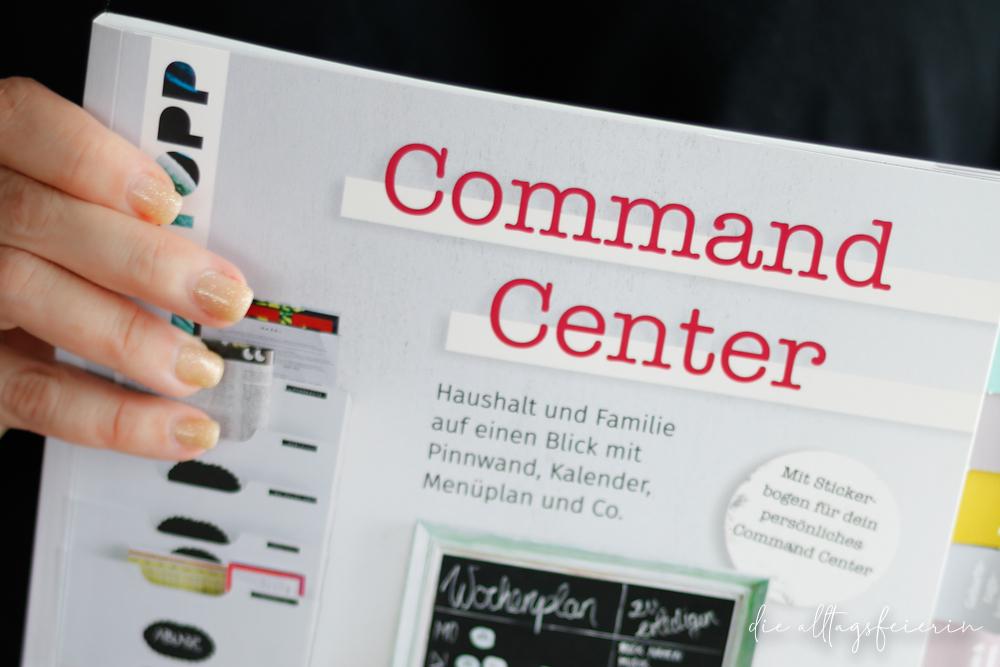 """Command Center. Haushalt und Familie auf einen Blick mit Pinnwand, Kalender, Menüplan und Co."""" 10 Bloggerinnen zeigen ihre besten Command Center-Ideen. Extra: ein Bogen mit hübschen Klebe-Etiketten (ISBN: 978-3-7724-7803-1 Command Center, Kommando-Zentrale, Familienorganisation, Buchrezension, Rezension, frechverlag,"""