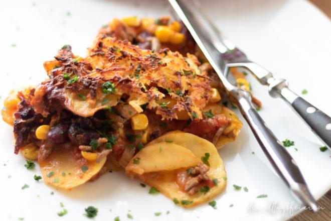 Kartoffelauflauf, Kartoffelauflauf Chili con Carne, Chili con Carne, Kartoffeln, Auflauf, Tex-Mex-Auflauf, Auflauf mit Hackfleisch, deftiger Auflauf, Mais,