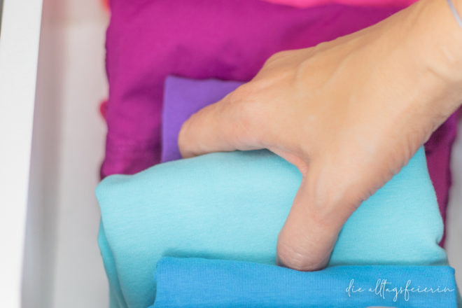 Kleiderschrank ausmisten mit KonMari-Methode, Alltagsfeierliche Ausmustere