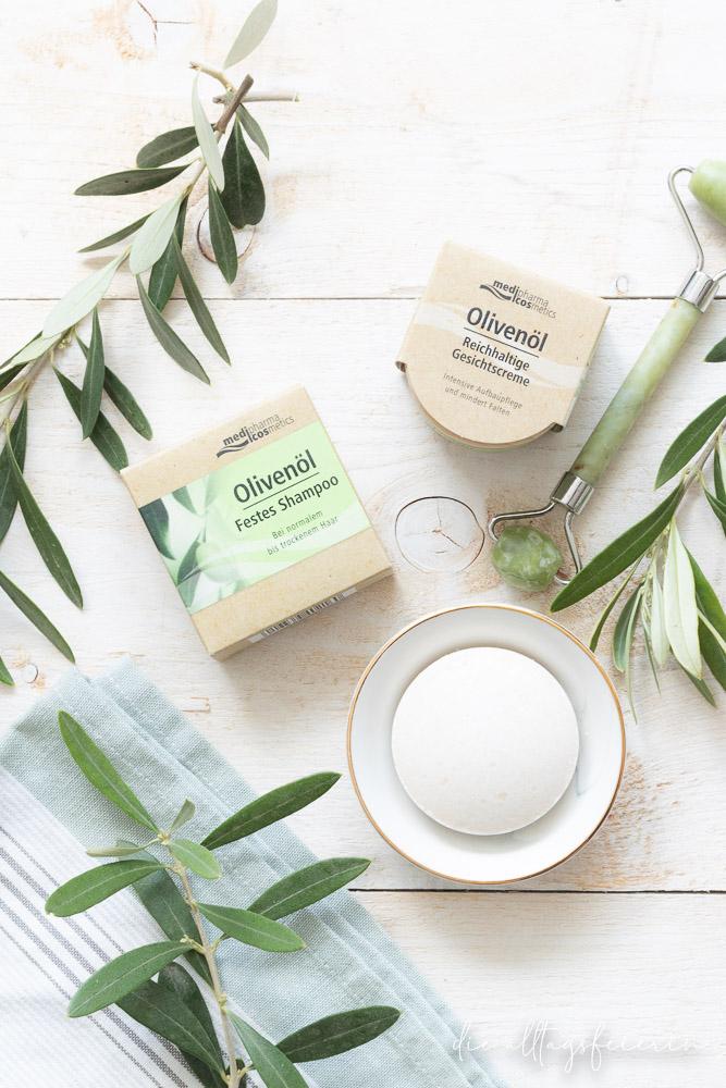 Test der nachhaltigen Olivenöl-Pflegeserie von medipharma cosmetics: festen Olivenöl-Shampoo, Olivenöl Hand- und Duschseife, Olivenöl-Körpercreme und der reichhaltigen Olivenöl-Gesichtscreme