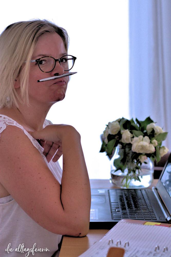 Nicole von Life with a Glow, Powerfrauen-Interview No 11 auf diealltagsfeierin.de