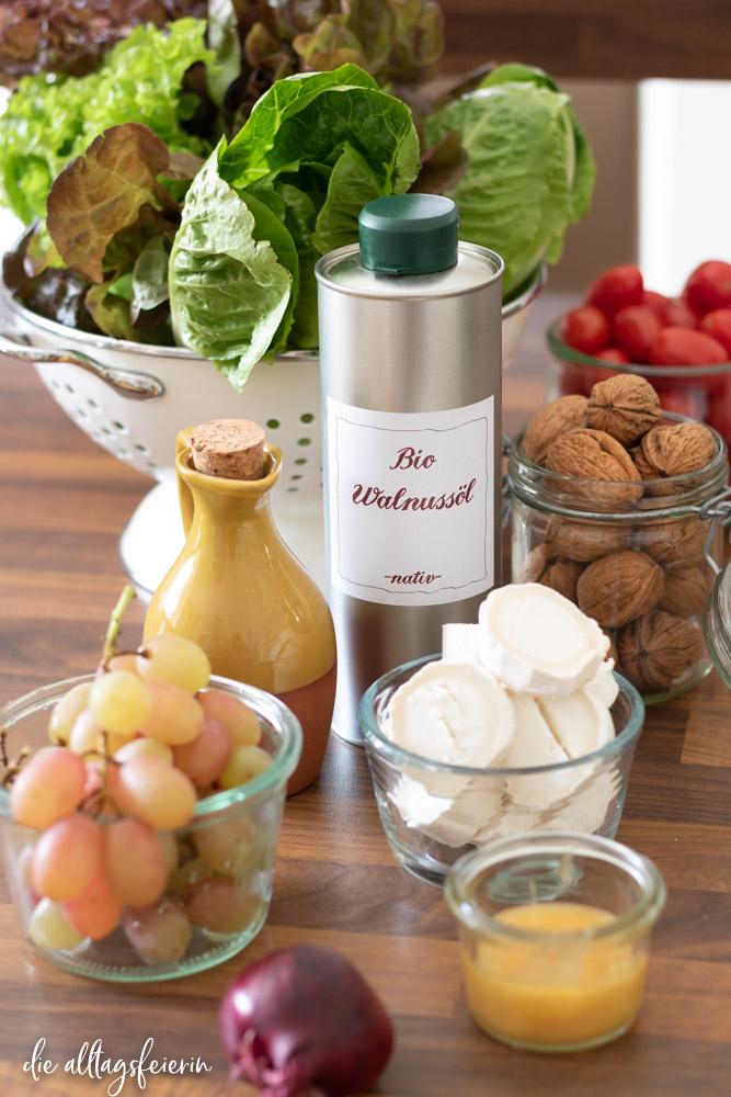 Hof Windkind, Werde Ölpate, Walnussöl, bio, ökologisch, fair. Rezept für Salat mit gratiniertem Ziegenkäse und Walnuss-Dressing