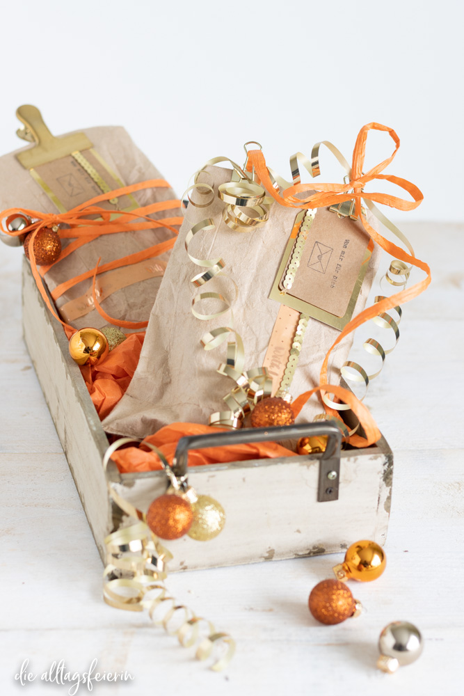 Die Ziegenbutter-Handcreme von Kurland einfach schön verpackt. Ein DIY für eine nachhaltige Geschenkverpackung aus Milchtüten oder Safttüten
