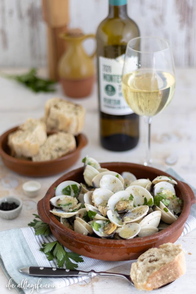 Rezept für Venusmuscheln in Weißweinsoße, mit Weißwein von D. O. Rueda Montespina Verdejo 2020