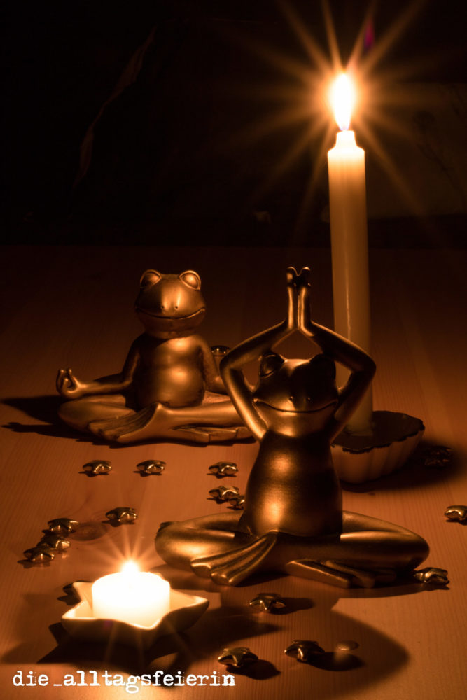 yogafrösche mit Lichtspiel