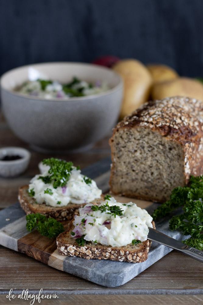 Rezept für Kartoffel-Käse, Erdäpfelkas ein leckerer Brotaufstrich für deine Brotzeit